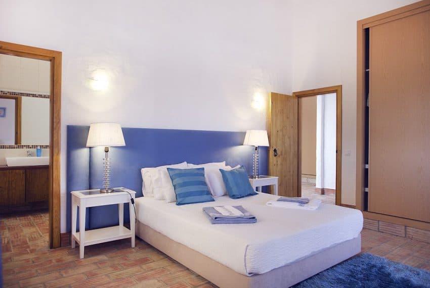 Algarvean 6 Bedrooms Brand New Villa - 00001