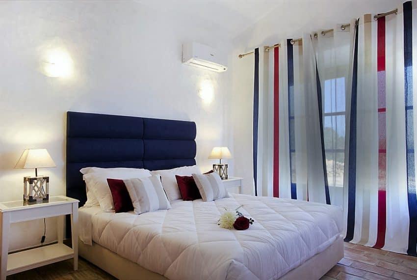 Algarvean 6 Bedrooms Brand New Villa - 00004