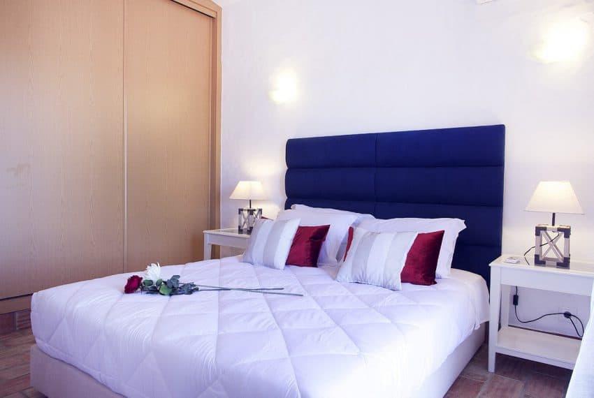Algarvean 6 Bedrooms Brand New Villa - 00005
