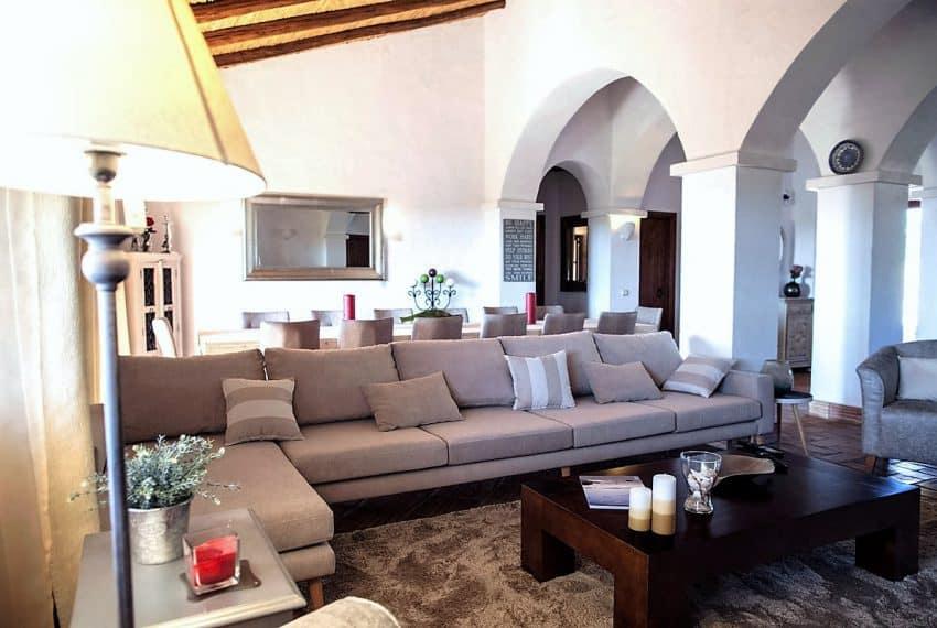 Algarvean 6 Bedrooms Brand New Villa - 00009