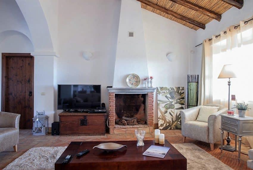 Algarvean 6 Bedrooms Brand New Villa - 00010