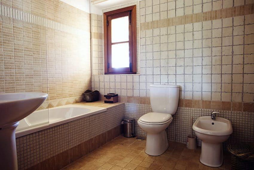 Algarvean 6 Bedrooms Brand New Villa - 00012