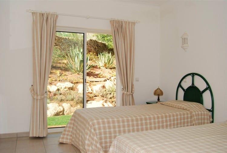 3 Bedroom Villa on Golf Resort - Algarve (1)