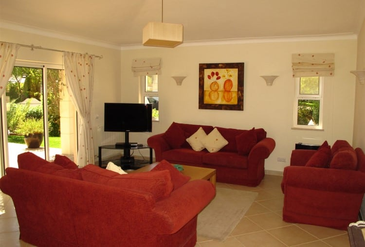 3 Bedrooms Villa on Golf Resort - Algarve (2)