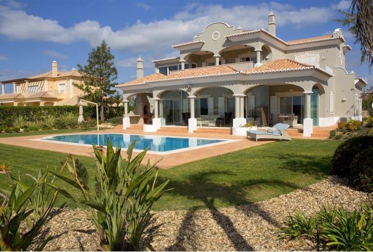 Luxury villa with 4 bedrooms on the Golf Resort - Algarve (1)