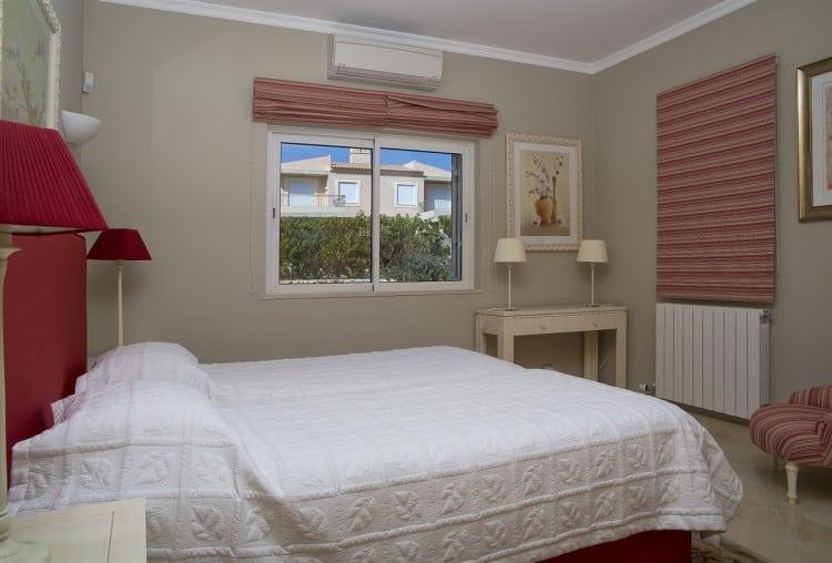 Luxury villa with 4 bedrooms on the Golf Resort - Algarve (12)