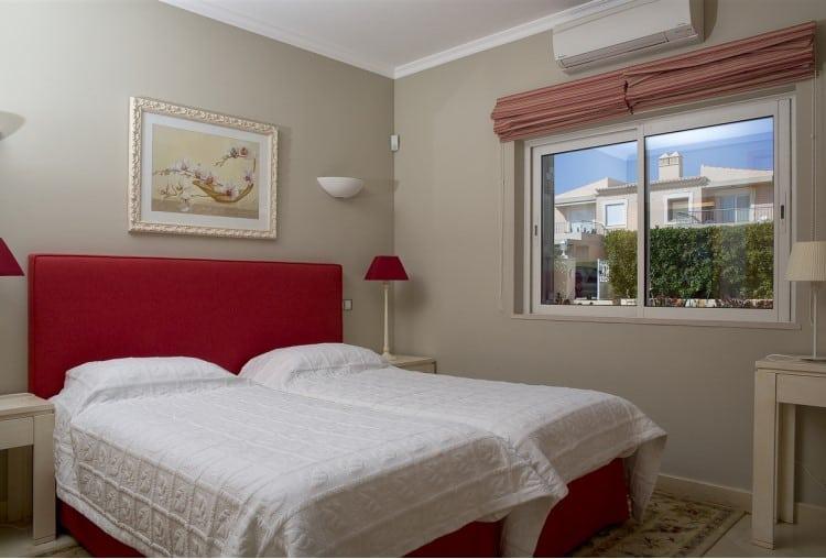 Luxury villa with 4 bedrooms on the Golf Resort - Algarve (3)