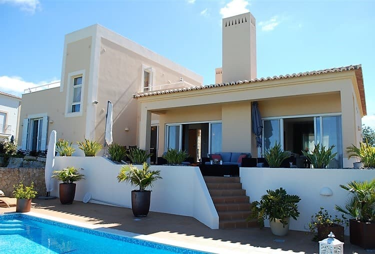 Villa T3 Pool Golf Carveiro (9)