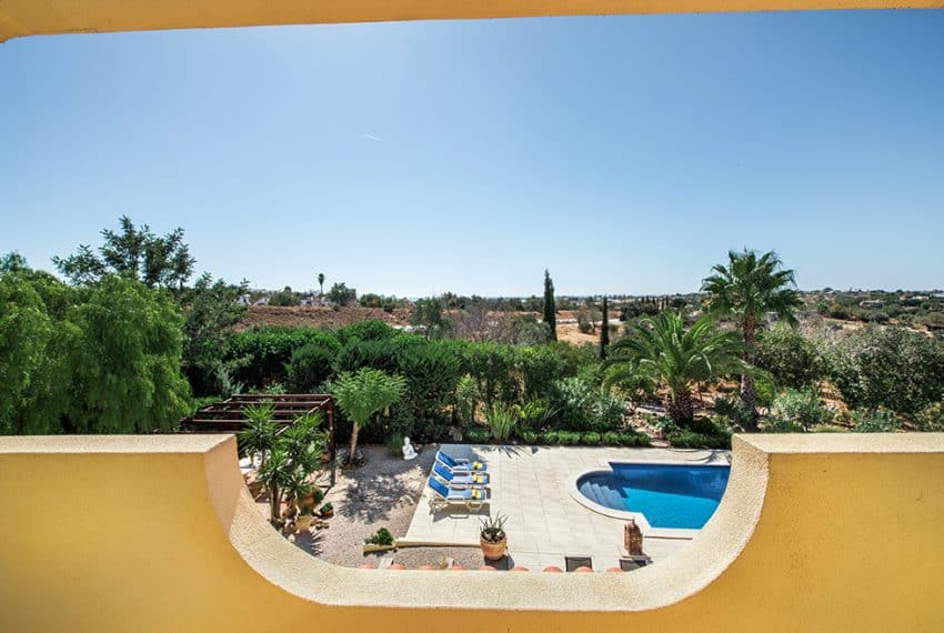 3 bedroom villa pool sea views Olhao (1)