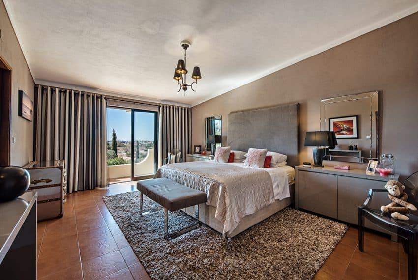 3 bedroom villa pool sea views Olhao (17)
