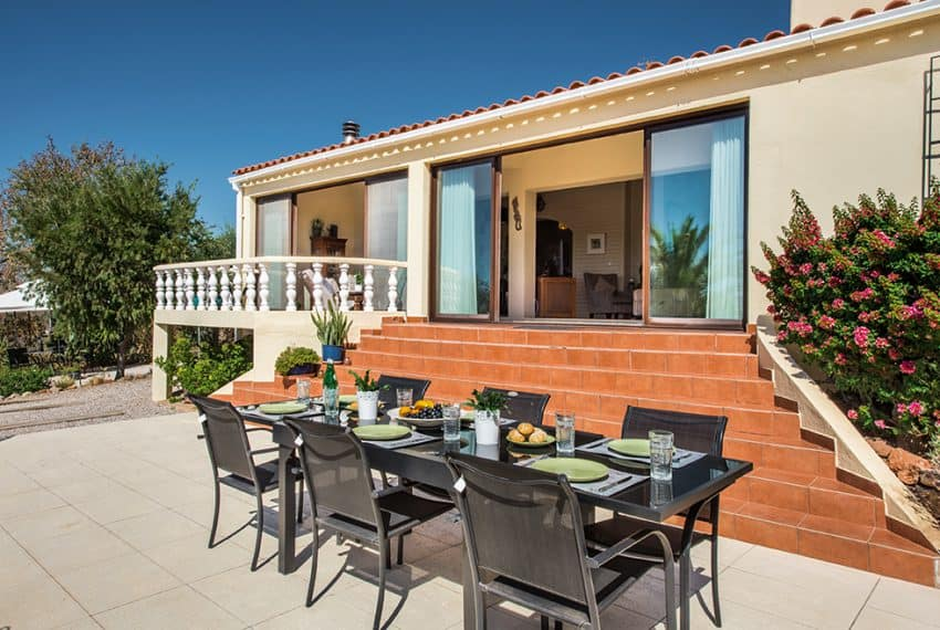 3 bedroom villa pool sea views Olhao (20)