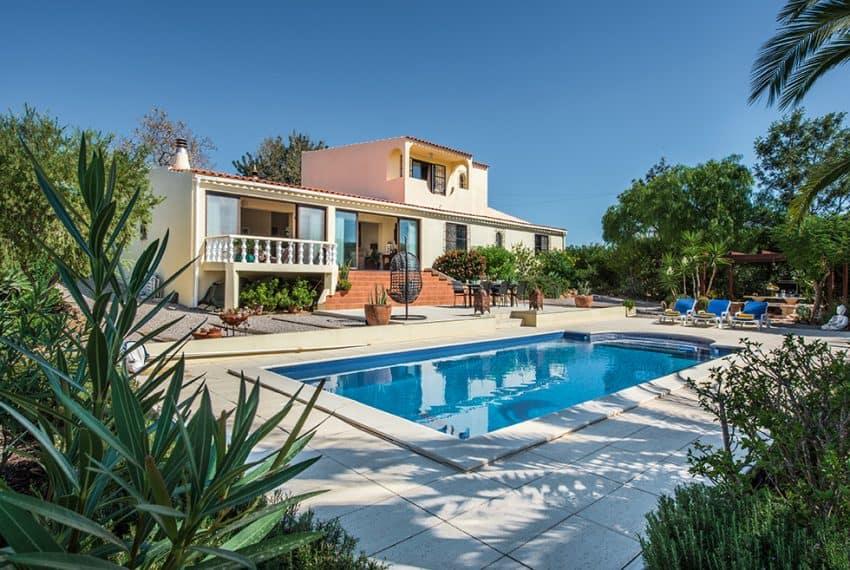 3 bedroom villa pool sea views Olhao (22)