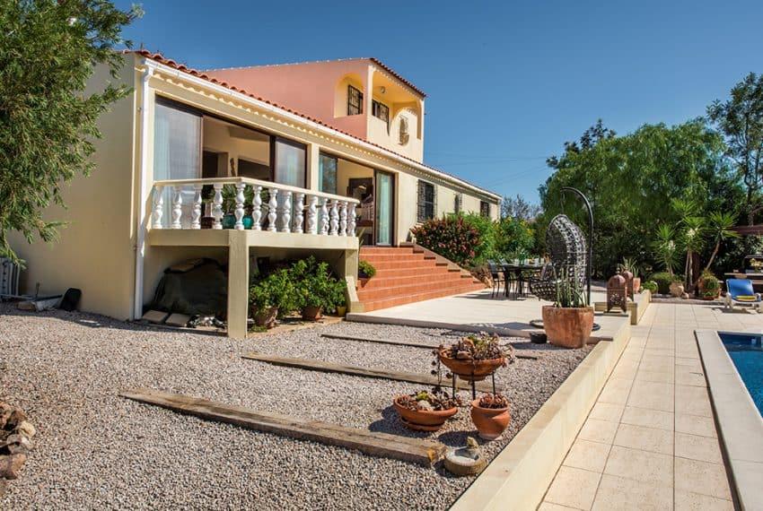 3 bedroom villa pool sea views Olhao (24)