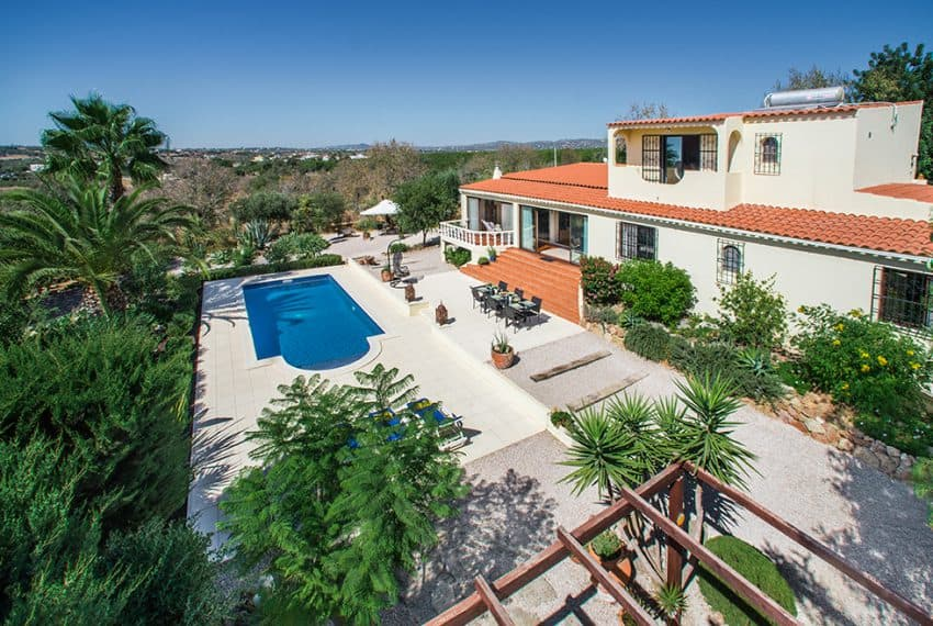 3 bedroom villa pool sea views Olhao (4)