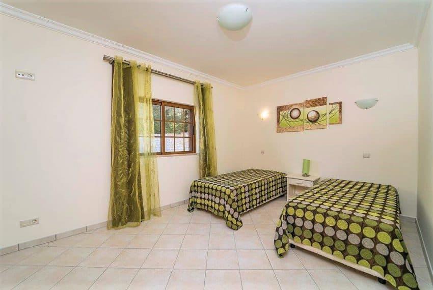 3 bedroom Villa woth Pool Sao Bras de Alportel sea views (19)