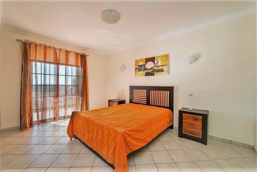 3 bedroom Villa woth Pool Sao Bras de Alportel sea views (23)