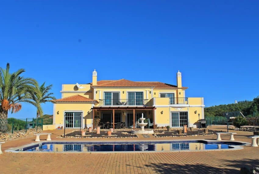 4 bedroom luxury villa with pool near Tavira Eastern Algarve (13)