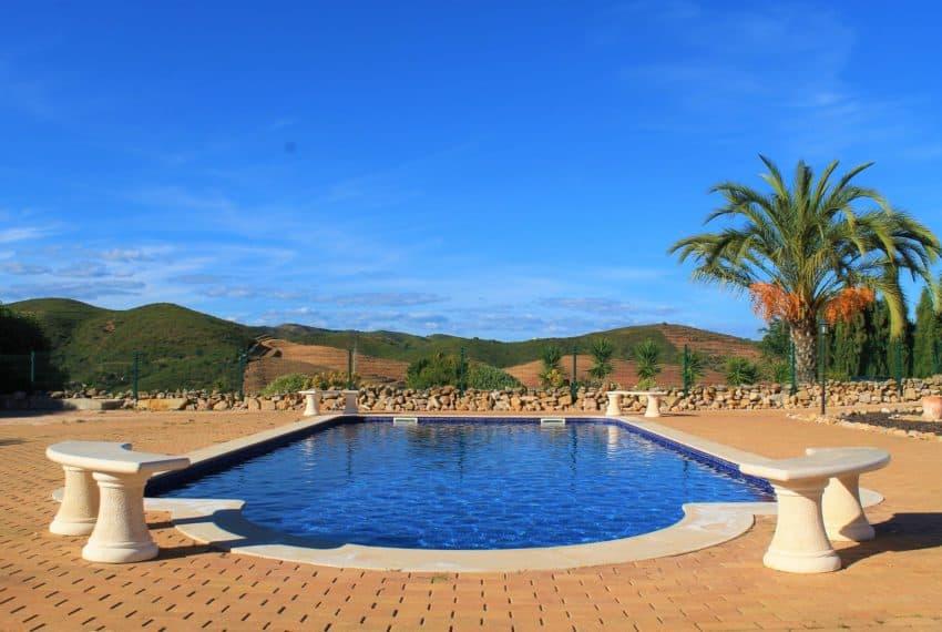 4 bedroom luxury villa with pool near Tavira Eastern Algarve (44)