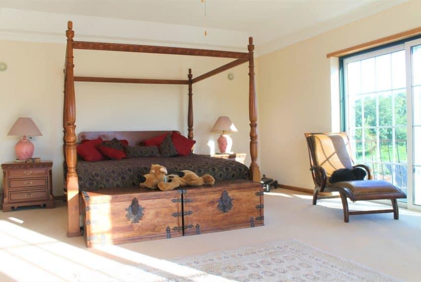 4 bedroom luxury villa with pool near Tavira Eastern Algarve (52)