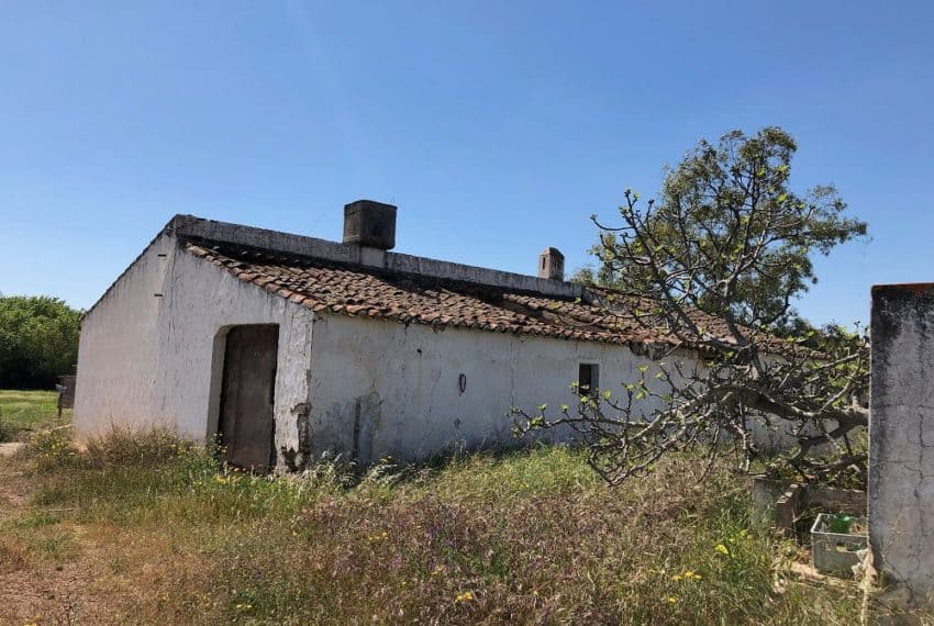 Farmhouse for renovation Castro Marim Eastern Algarve (9)