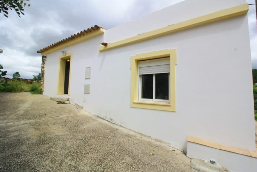 2 bedroom country house Salir Algarve beach (1)
