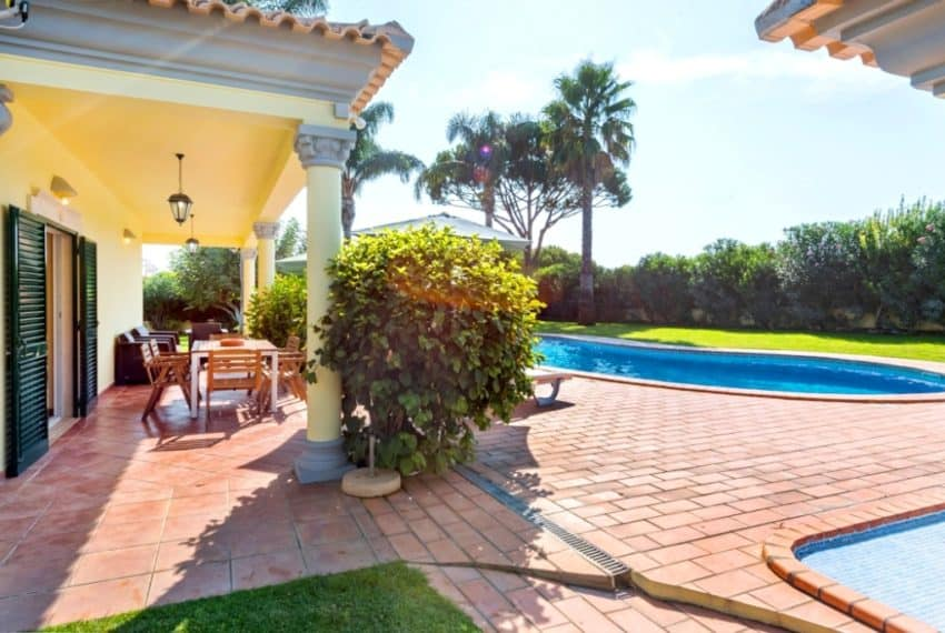 3 bedrooms villa Pool Almancil beach (6)