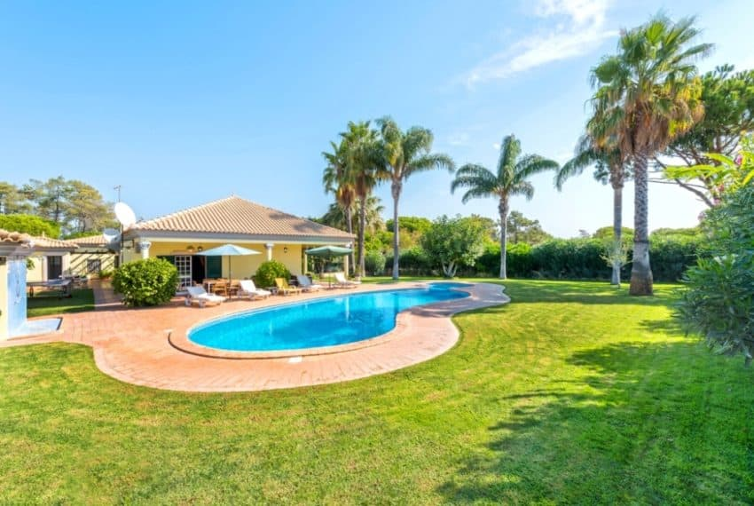 3 bedrooms villa Pool Almancil beach (7)