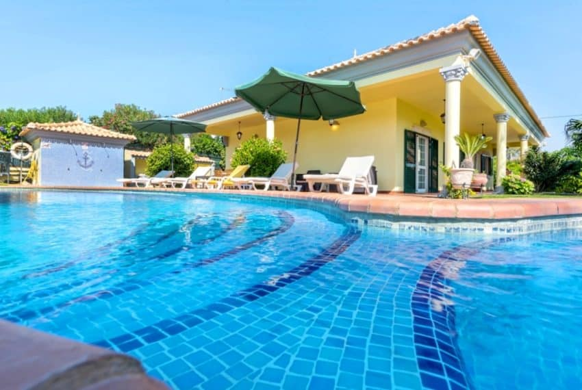 3 bedrooms villa Pool Almancil beach (8)