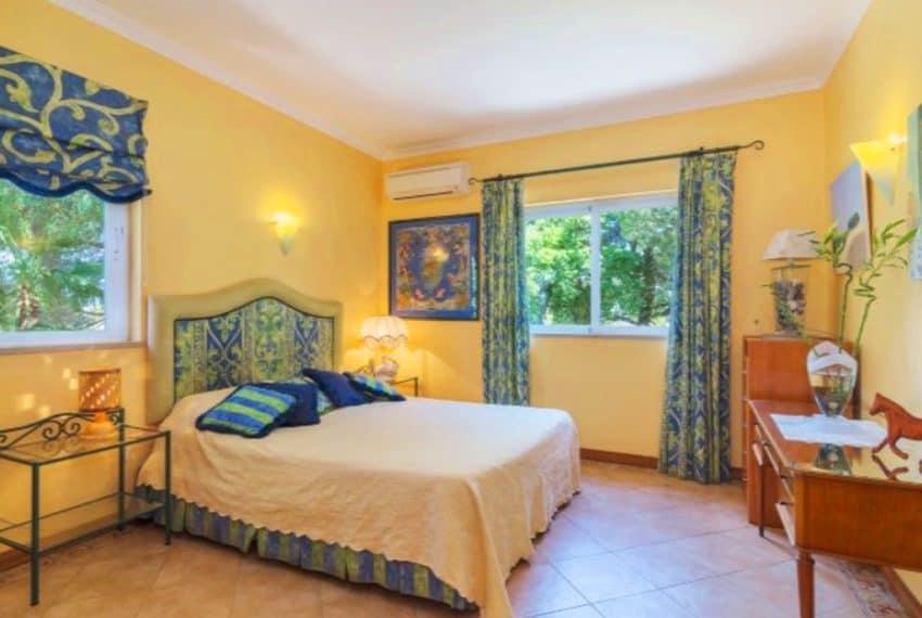 4 bedroom villa pool Almancil Algarve beach  (12)