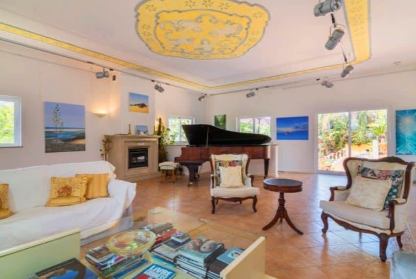4 bedroom villa pool Almancil Algarve beach  (13)