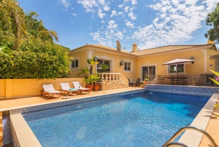 4 bedroom villa pool Almancil Algarve beach  (14)