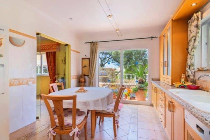 4 bedroom villa pool Almancil Algarve beach  (16)