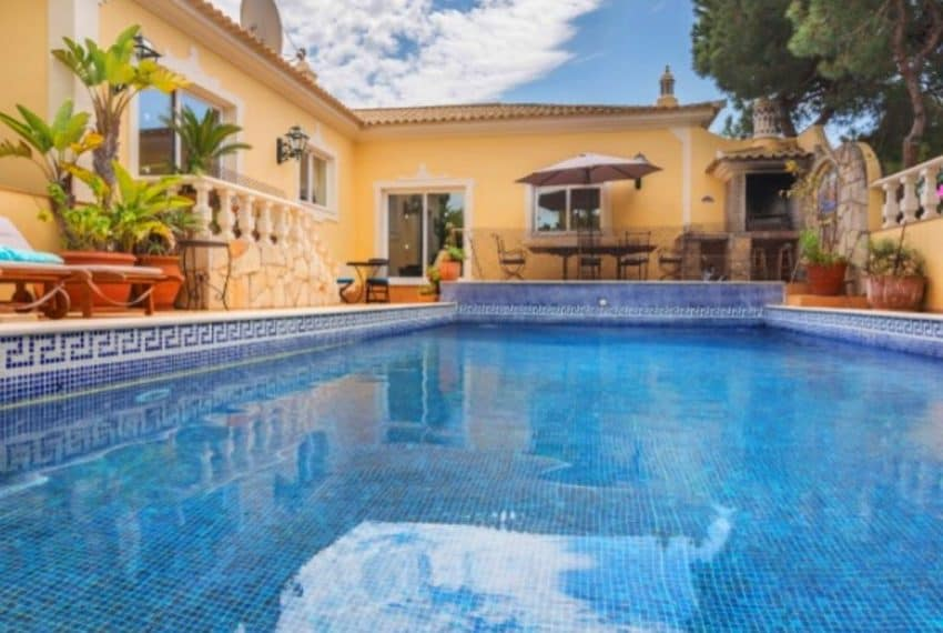 4 bedroom villa pool Almancil Algarve beach  (17)