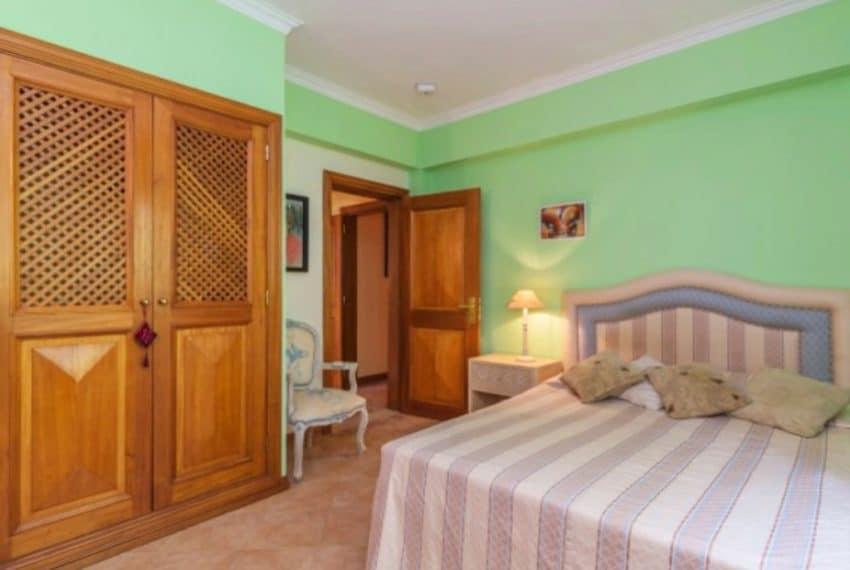 4 bedroom villa pool Almancil Algarve beach  (2)