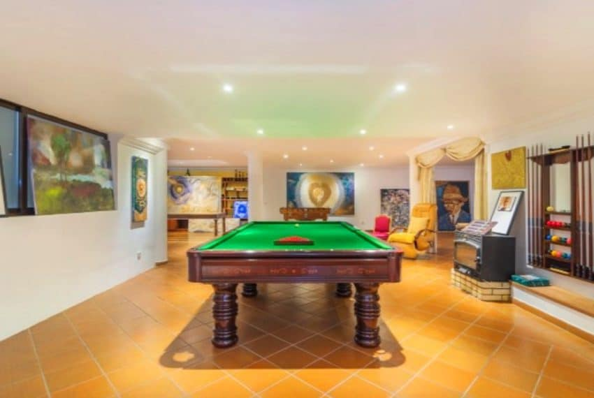4 bedroom villa pool Almancil Algarve beach  (3)