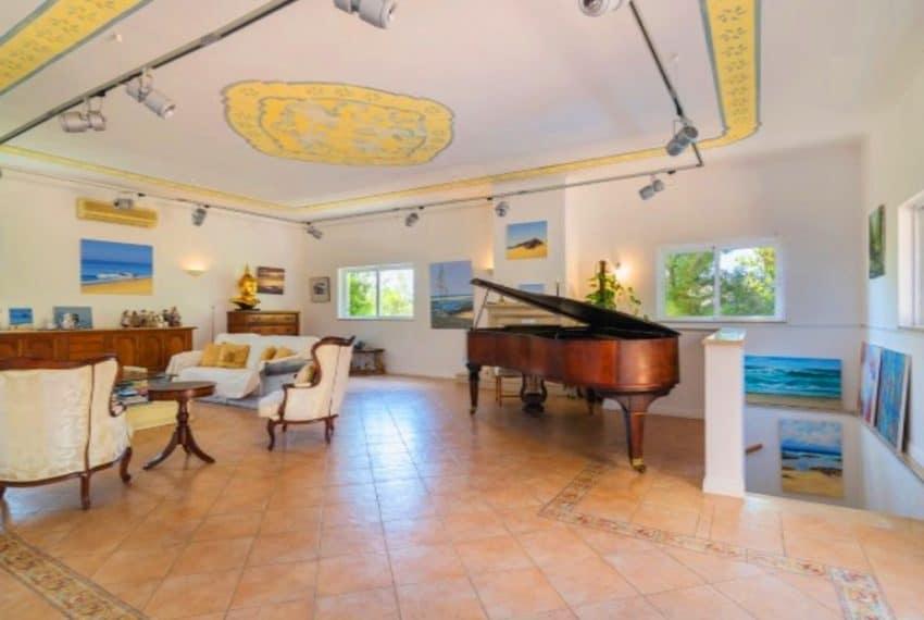 4 bedroom villa pool Almancil Algarve beach  (4)
