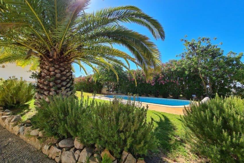 4bedroom villa pool Santa Barbara de Nexe beach Algarve (1)