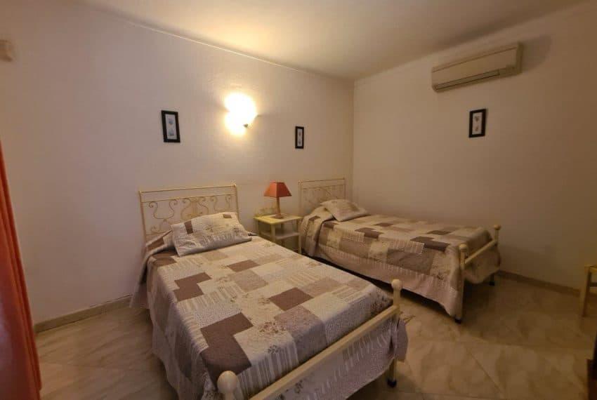 4bedroom villa pool Santa Barbara de Nexe beach Algarve (10)