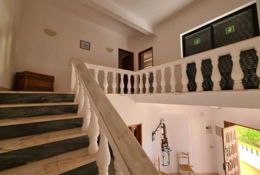 4bedroom villa pool Santa Barbara de Nexe beach Algarve (11)