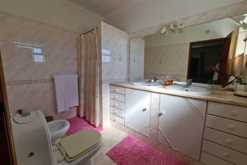 4bedroom villa pool Santa Barbara de Nexe beach Algarve (15)