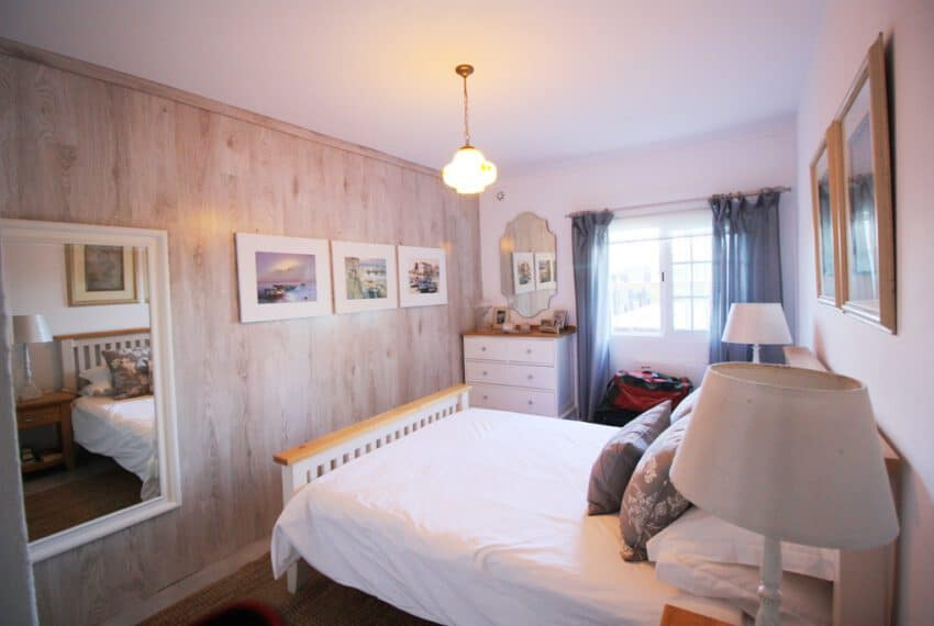 2 bedroom villa pool Sao Bras de Alportel Algarve beach golf (14)
