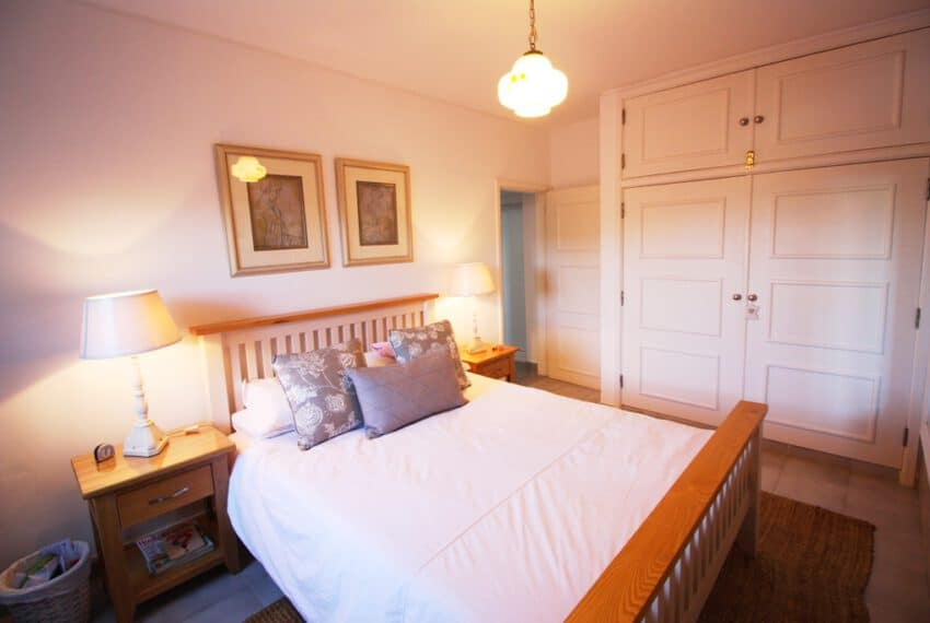 2 bedroom villa pool Sao Bras de Alportel Algarve beach golf (15)