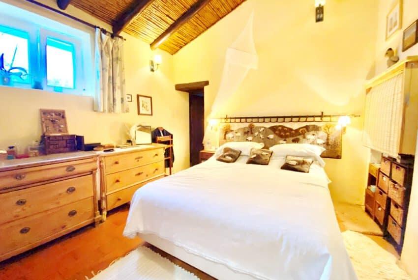 5bedroom farmhouse with pool Loule Algarve beach golf (12)
