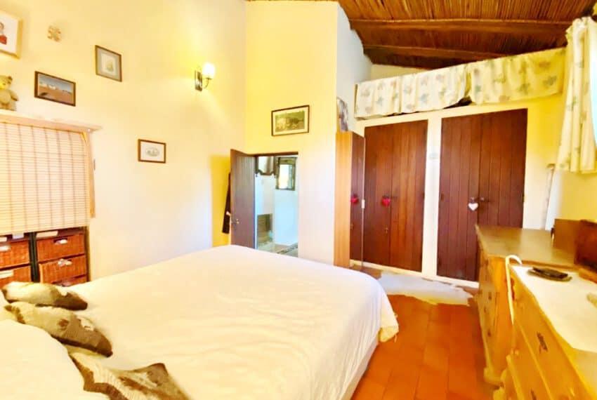 5bedroom farmhouse with pool Loule Algarve beach golf (13)