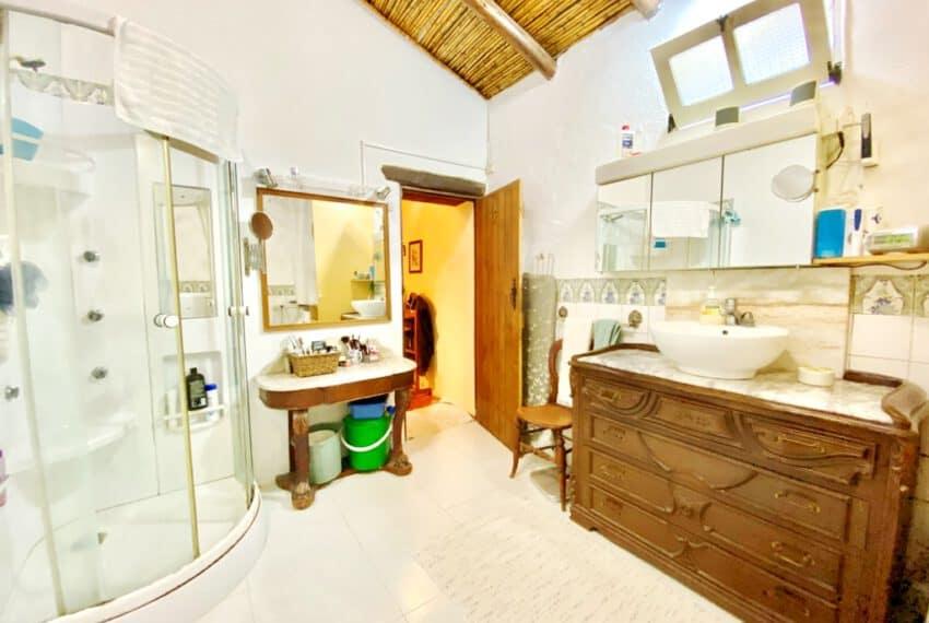 5bedroom farmhouse with pool Loule Algarve beach golf (14)
