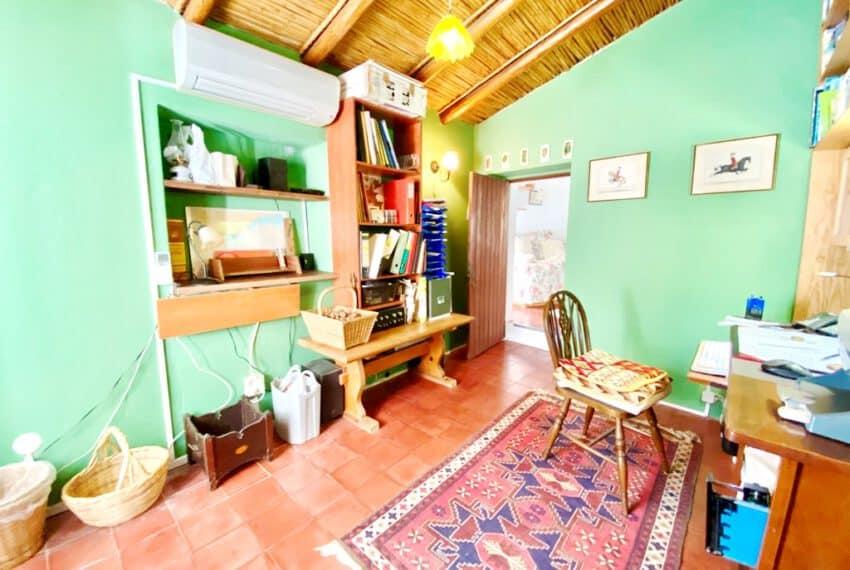 5bedroom farmhouse with pool Loule Algarve beach golf (16)