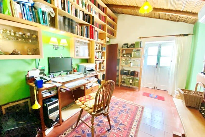 5bedroom farmhouse with pool Loule Algarve beach golf (17)