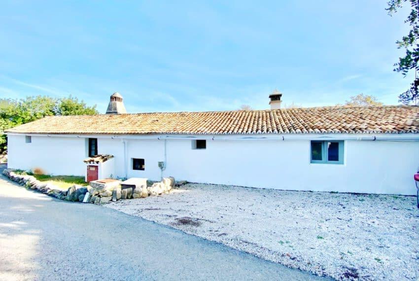 5bedroom farmhouse with pool Loule Algarve beach golf (26)