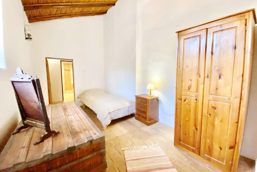 5bedroom farmhouse with pool Loule Algarve beach golf (39)