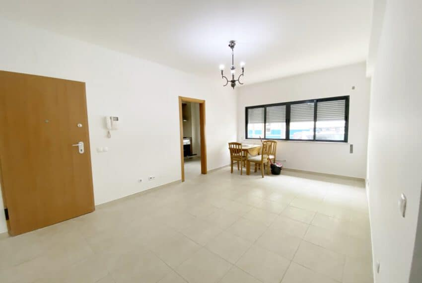 2 bedroom apartment Tavira center East Algarve beach golf (1)
